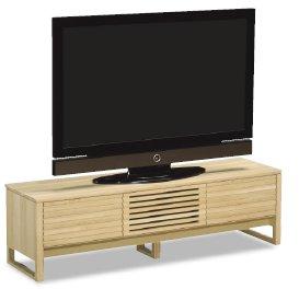 50型テレビを幅150のTV台に乗せた場合
