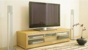 43型テレビを幅150のTV台に乗せた場合
