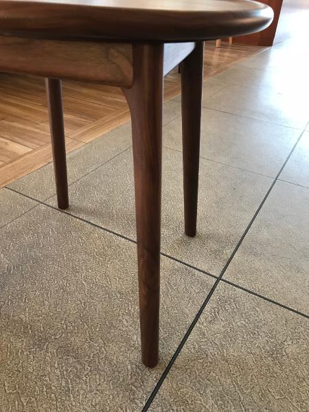 ウォールナット材サイドテーブル脚