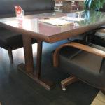 ダイニングテーブルの選び方 2本脚テーブル